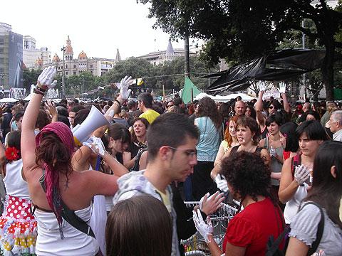 Squatting Plaça de Catalunya